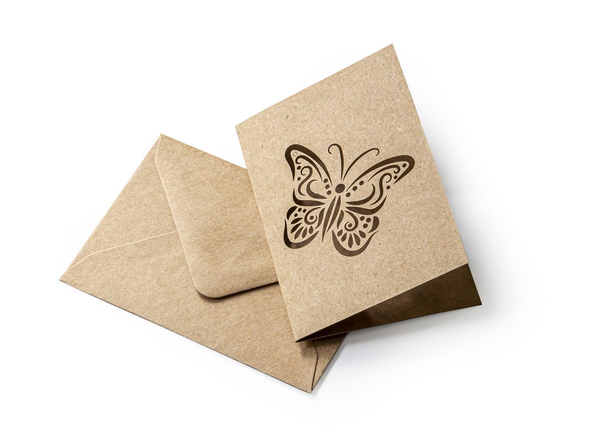 Zestaw z motylem Kraft ciemnobeżowy (karnet+koperta 70x100mm)